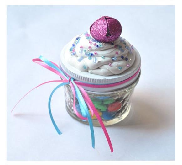 Mini-Mason-Jar-Candy-Cupcakes-DIY-craft